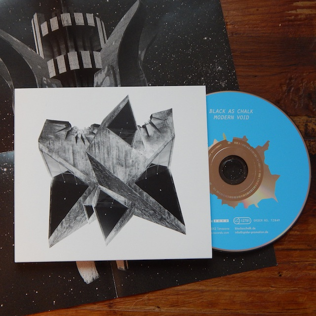 Modern Void; CD DigiPack; 8 Page Booklet; 13 Songs; 2012; 10 €